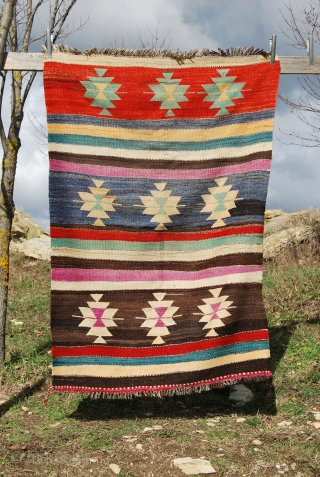 Beysehir kilim. Cm 124x184. Central Anatolia. Konya region. Mid 20th century. Some good dyes. Lovely, soft, thick hand spun wool. Nice, decorative piece. Good Condition. See more pics on fb: https://www.facebook.com/media/set/?set=a.10151511170409258.549959.358259864257&type=3