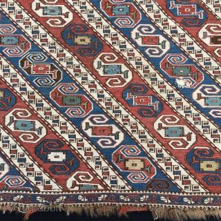 Dragons! Khyzi/Xizi village. North of Baku, Azerbaijan. 4th q 19th c. Great mafrash with two wonderful side panels originally united by the striped bottom. Cm 100x160 ca. Very rare. Soft natural dyes  ...
