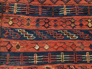 Red Bakhtiari saltbag/namakdan. Cm 48x54. end 19th c. Flatweave, sumack, pile. Rare and beautiful. Lovely natural colors. Super madder red and deep indigo blue. Great graphics. As you can see from the  ...