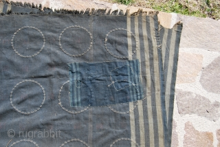 Just in from Burma Nagaland. Naga blanket. Cm 111x147. Good age, a very old restoration, a really great, great piece. Not to miss for collectors!