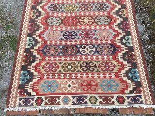 Gocmen kilim. Cm 140x285. Vintage. Very good weaving with no difference between front and back. Priced to sell: $ 420 plus UPS 50$ to EU/USA