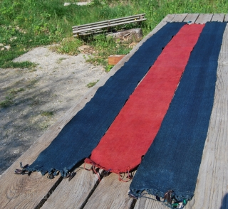 Naga loin cloth/shawl? made of three long tripes embellished with beetle elytra wings on the ends. Cm 46X185 ca, 15/blue+16,5/red + 15/blue. Indigo, madder, indigo. In many instances, there is a connection  ...