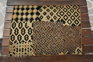 Shoowa tribe - Bakuba region - Congo - Raffia velvet textile - early 20th century (or later) - pure primitivism artifact - cm 65x47 -  it seems like a sampler or  ...