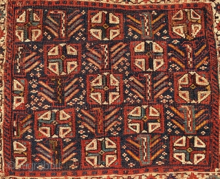 Bakhtiari sumack khorjin bag face. Cm 40x50 ca. Antique, 1870/80sh, beautiful, all natural dyes and a very interesting design with crosses and anthropomorphic figurines. Affordable. P.S. Tks John W.