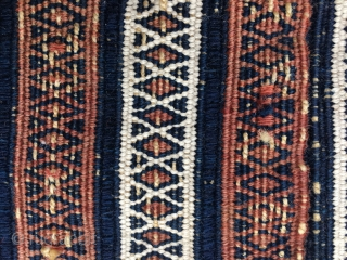 Baluchi (?) small chanteh/bag face. Cm 36x36 ca. Late 19th/early 20th c. Very tight weave, Heavy embroidery, see last pic. Great graphic. Sweet small price.