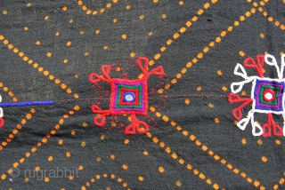 Rabari Banjara wedding shawl. Kutch, Gujarat. Vintage. Cm 285x100 ca. Beautifully, heavily embroidered ends in Keith Haring style Who copied or got inspired? Good condition. Lovely as a spread, on a sofa  ...