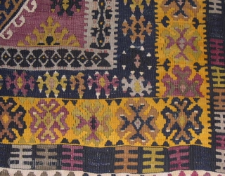 YAHYALI, CENTRAL ANATOLIAN KILIM - CM 117X183 -FT 3.8X6.0 -  END 19TH/EARLY 20TH CENTURY - TOP CONDITION - GREAT COLORS - REAL SUPER PIECE -