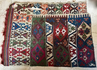 Anatolian kilim fragment. Fantastic colors, lovely pattern. More infos on rq.