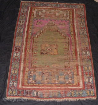 Kirsehir rug fragment - 1750/1800 - cm 109x169 - poor condition, but full of charme -