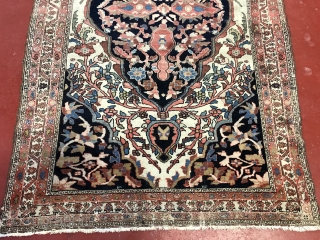 Nice Persian Farhan Malayer in good condition size is 4.7x6.9 (143cmx210cm)