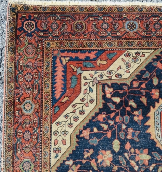 Nice Persian Farahan Sarouk circa 1900 good colors fine weaves size is 4x6 in good condition no repair