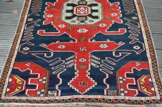 Antique Shirvan   Perfekt Condition  Size is : 160 x 114 cm