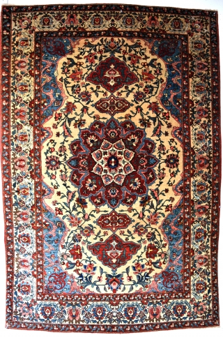 A pair of very fine Persian Baktiari rugs, very decorative with unusually soft dyes on rare ivory ground. Excellent original condition, very clean and floor ready. First quarter 20th century. 216x137cm