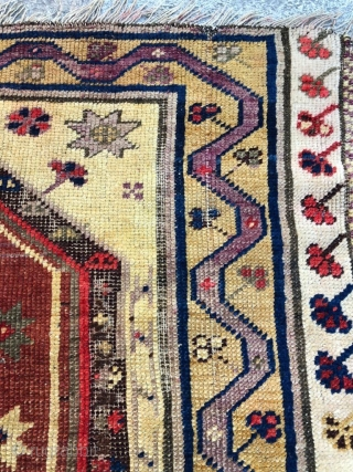 Antique milas rug early 20.century  size is 160x115cm