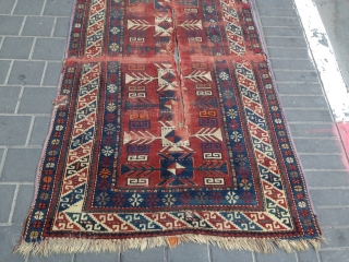 Antiqe Caucasian size: 165x102-cm please ask, some synthetic dyes.