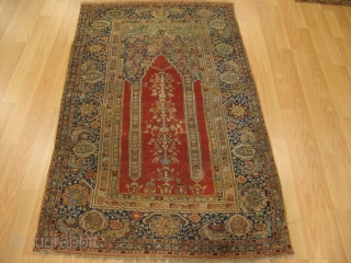 Anatolian Gordes Prayer Rug  Size 1,24 x 1,91