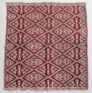 """Indonesia textile cloth """"Tampan"""" from Kalianda or Putihdo Lampung, Sumatera. cotton. Size : 56cm x 52cm. Conditions : Please see on the picture, Free from any repair. 19th century."""