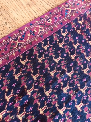Antique Cambodian Silk Ikat Samphot. Lovely piece dating to the 1st quarter of the 20th century. Lovely colours and condition. See images. 189x89 cm