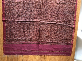 Antique Cambodian ikat silk samphot. 1st quarter 20th century. Lovely piece in great condition. 180x84cm.