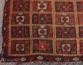 c.1880's BERGAMA rug......measures approx. 3.11 x 6.6.....checks drawn on U.S. banks preferred.....  Thanks go to RR for providing this site......Sincerely, Ed Briggs..... POR
