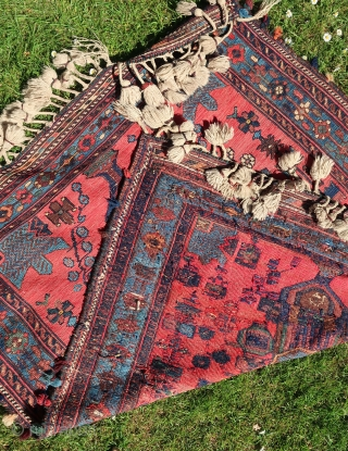 South Persian Tribal, Afshar, Sumak, Sumack, Sumakh.( Cradle ?? ) Aroud 1900. Wool on wool, with cotton. Ca :  140 x 110 cm. Cleaned. Good overall condition, no holes, stains, mothbites,  ...