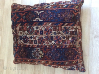 really nice antique Bahtiari seat carpet rugs, good condition at a reasonable price
