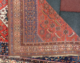 shiraz rug wonderful colors and excellent condition all original size 2,05x1,35 cm Circa 1900
