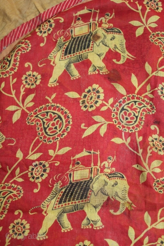 Rare Roller Print from Manchester England made for Indian Market,Used for Thal cover in Rajasthan India. Roller Printed on Cotton.Its size is 76cm X 76cm.(DSL02220).