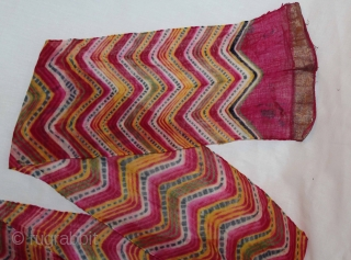 """Laheriya Pagh (Turban) Worn During the Monsoon Fine cotton Mull-Mull Early 20""""Century. Royals family Rajasthan India.Length 15 to 18 miter.(DSC01040)."""