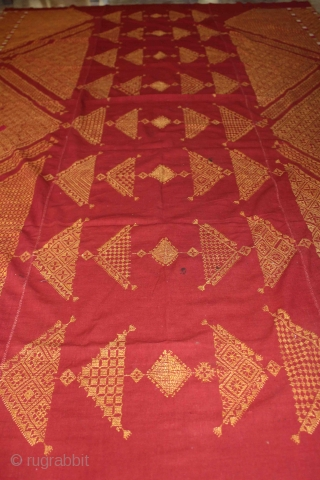 Chope phulkari cotton embroidered with floss silk,double running-stitch from Punjab India early 20th century Called As Woman Headcover (Chope). Its size is W 174cm X L 274cm.(DSC01080).
