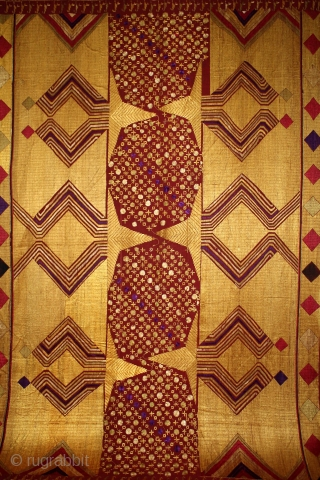Sarpallu Phulkari From East(Punjab)India called As Sarpallu(Patang Design).Proper Samalsar, kotkapura of Punjab India.Floss Silk on Hand Spun Cotton khaddar Cloth.(DSL03220).