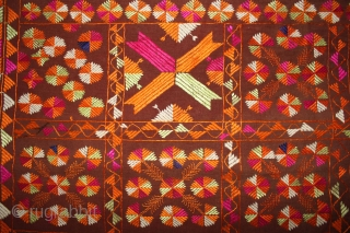 Phulkari from East(Punjab) India Called As Bella (Grove) phulkari. One of the rare design in Indian Phulkari.(DSL02050).
