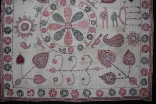 Vintage Kantha embroidery with cotton thread Kantha Probably From East Bengal(Bangladesh)Region India.C.1900.Its size is 66cm x 67cm.(DSL02140).