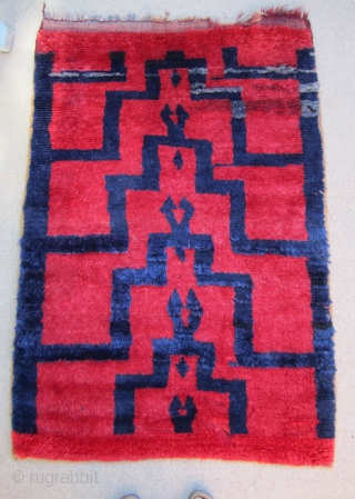 """Vintage Karapinar Tulu.....circa 1950....wool and shiny , silky Angora goat hair....cut-pile technique .....3'4"""" x 5'( 100cm x 152cm )....excellent condition except for bite @ upper right as shown."""