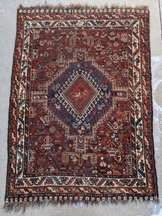 Wonderful and lively antique Shiraz rug with many birds and other animals. 5ft x 3ft 6in Beautiful colors in this piece! Freshly washed so the colors look even better now.  Let me know  ...