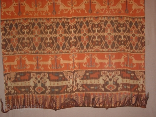 in perfect condition!!! antique , no fading at all, very fine handspun cotton , wonderful natural colors, three rows of patola motifs