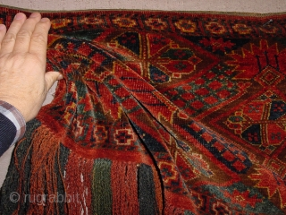 wonderful turkoman piece, in great condition, 1880? small tiny, tiny upper rightcorner repair, no stains, fabulous natural colors, original fringes 130x45cm 4.3x1.5ft without fringes