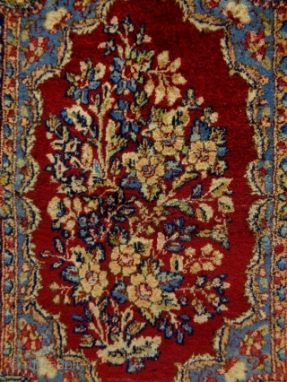 Fine Lawar Kirman Size: 52x71cm Natural colors, made in circa 1910/20