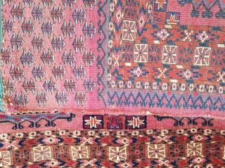 Very finely woven 19th century Turkmen Tekke chuval with wonderful Salor guls and charch-palak secondary guls. Measures: 86X126 cm (34X49 inches).
