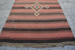 Armanian kilim from fereidan area .bakhtiari,needs some repaires,Size:295x186 cm