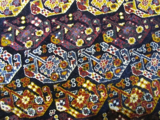 qashqai rug,fine condition,low pile in some places,Size:215x138 cm