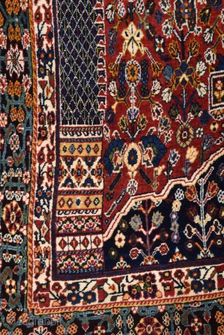 Persian Qashqai Kashkuli Rug circa 1920 size 137x250 cm perfect condition