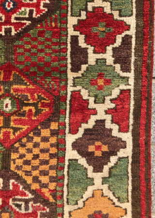 Colorful NorthWest Persian Runner circa 1870 size 90x505 cm in perfect condition