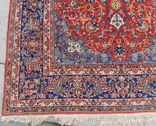 Persian Isfahan Rug size 153x220 cm perfect condition