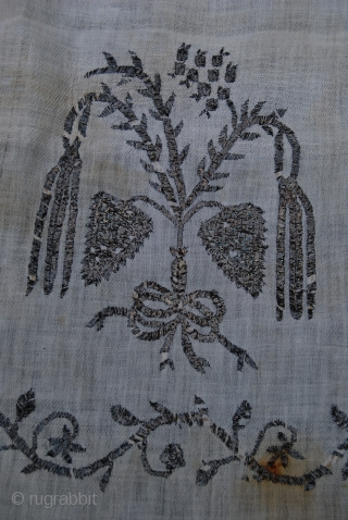 Antique Ottoman embroidery (bath towel) in metal thread on linen, 93 x 148 cm, traces of use, some stains, 19th c.