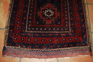Old Baluch bag face with Memling gul and finely woven ends, 65 x 72 cm, rather good condition with only slight traces of use (two small damages at both lower corners), some  ...