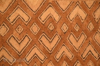 "African Kuba-Shoowa prestige cloth, size 21"" x 22"", excellent condition, no damage, no surface wear, no stains, professionally mounted."