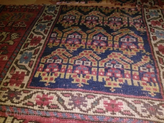 Size : 90*150    19th century Northwest Persian Kurdish . madder