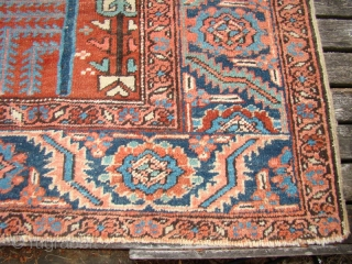 Antique Persian Heriz carpet. Size: 8'X 11'8""