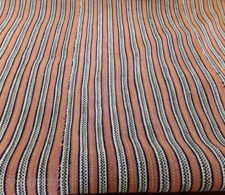 1910-1920 IRAN kurdish jajim in very good condition. size: 200cm*200cm material: wool on wool Make an offer for this lot I sell it to the first reasonable offer.